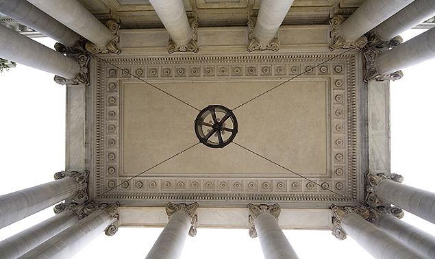 Neo Classical Pillars DC